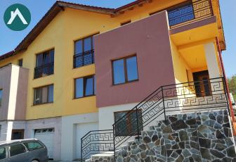 Casa tip duplex 220 mp