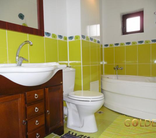 Vand apartament 3 camere, Micalaca zona 500, parter, spatios 97 mp, decomandat, amenajat modern, cu centrala pe gaz (ID: 1173)