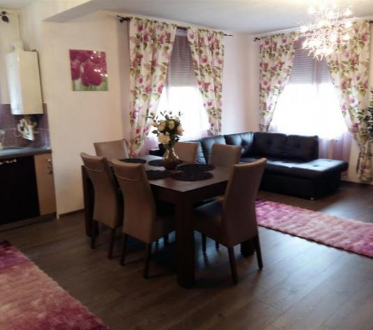 Vanzare Apartament 2 camere 70 mp Garaj Zona Borhanci ! - imagine 1
