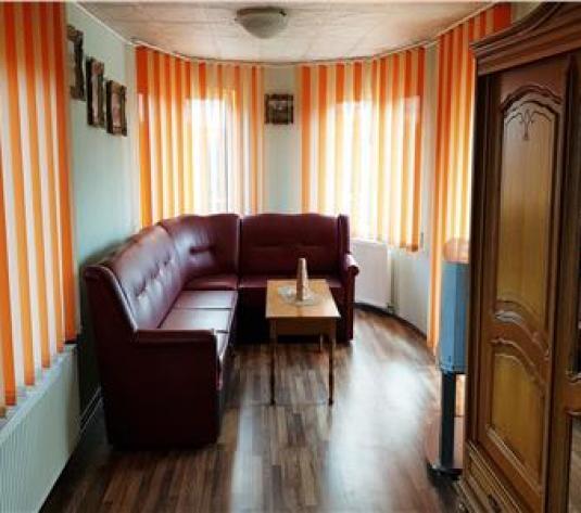 Apartament cu 2 camere, la casa - imagine 1