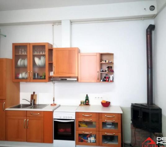 Apartament o camera Central, 38 mp utili, decomandat, finisat, mobilat - imagine 1