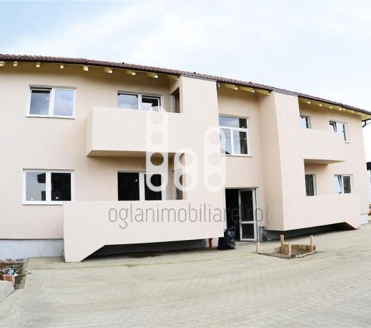 Apartament cu 2  camere decomandate la vila P+E zona Calea Cisnadiei - imagine 1