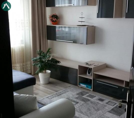 Vând apartament  - imagine 1