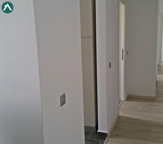Apartament langa Facutatea Stiinte Politice - imagine 1