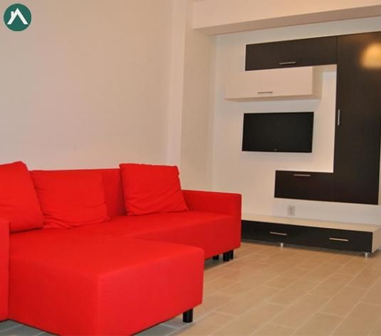 Apartament cu 3 camere in zona Vivo, 63 mp + curte 120 mp - imagine 1
