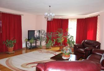 Apartament in vila, 3 camere + terasa, 150 mp zona Calea Turzii