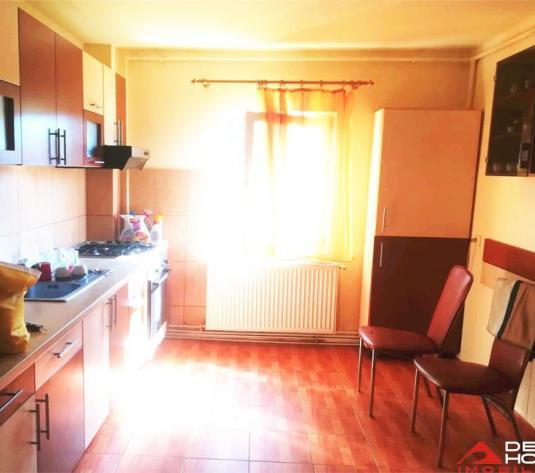 Apartament 3 camere in Baciu, 61 mp decomandat, mobilat, garaj inclus - imagine 1