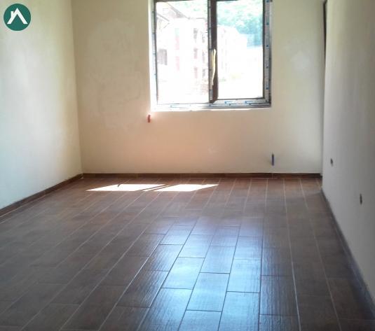 Apartament 3 camere partial finisat, parcare zona Subcetate - imagine 1