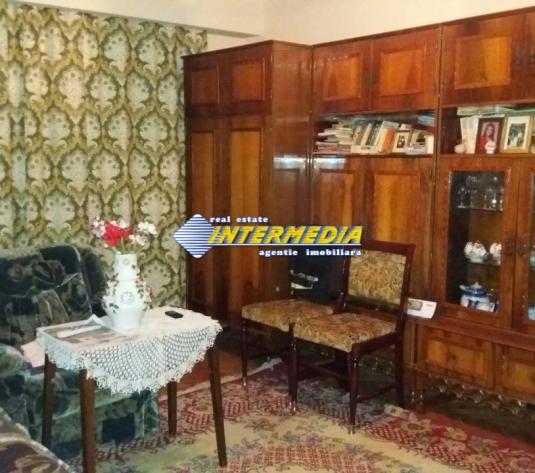 Apartament 2 camere decomandat  Alba Iulia  48000Euro - imagine 1