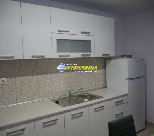Apartament  3 camere decomandat de inchiriat in Centru Alba Iulia - imagine 1