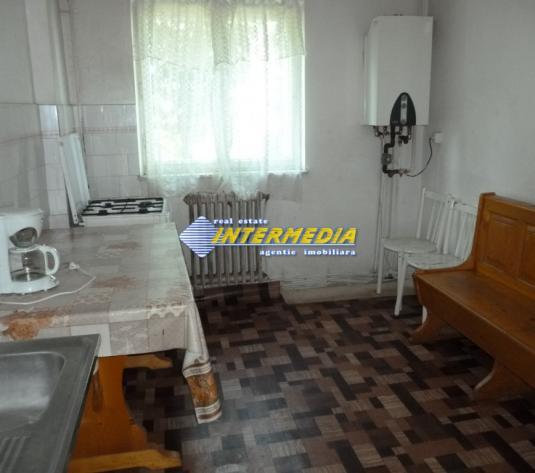 Apartament 4 camere decomandat Cetate Alba Iulia - imagine 1