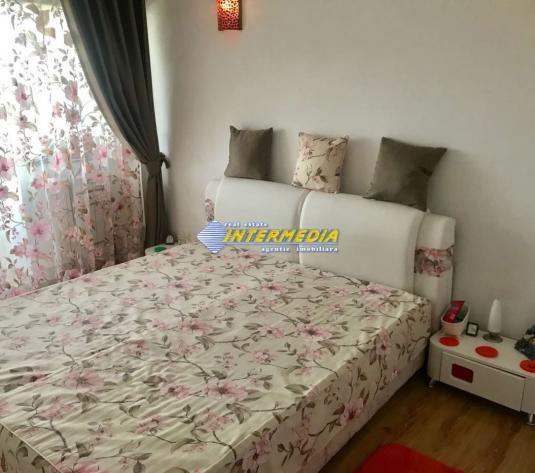 Apartament 2 camere decomandat Cetate zona M-uri Bulevard - imagine 1