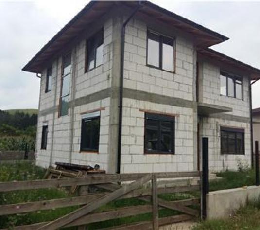 Casa de vanzare in Luna de Sus 100000 euro negociabil - imagine 1