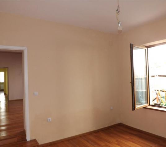 Vanzare casa 4 camere, ideala pentru sediu firma - imagine 1
