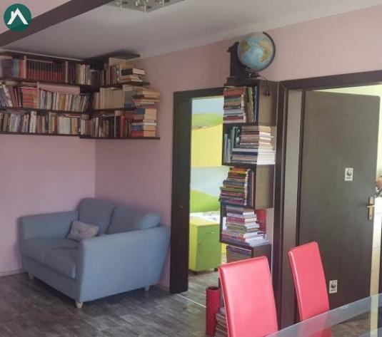 Apartament cu 2 dormitoare si living, finisat - imagine 1