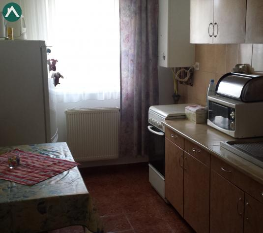 Vanzare apartament 2 camere decomandat str Florilor - imagine 1