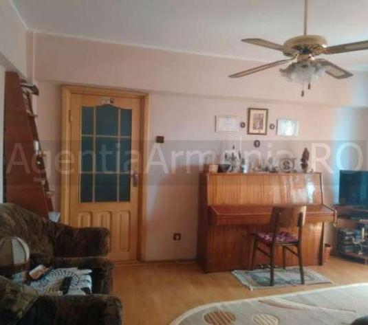 Apartament cu 4 camere situat pe strada Primaverii, zona Piata Mica - imagine 1