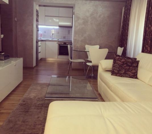 Apartament 2 camere, lux, etajul 3 - imagine 1