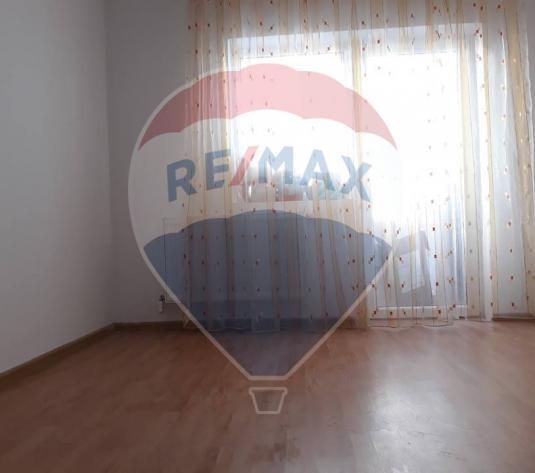 Apartament cu 3 camere de vanzare in Floresti - imagine 1