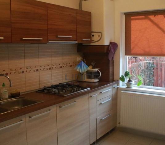 Vila 4 camere de vanzare in Floresti - imagine 1