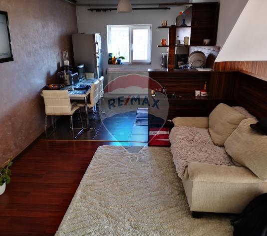 Vand urgent Apartament cu 1 camere in Floresti - imagine 1