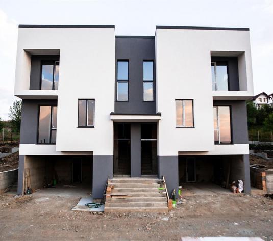 CasaD+P+E , Zona Vivo,drum asfaltat,garaj ,terasa,demisol - imagine 1