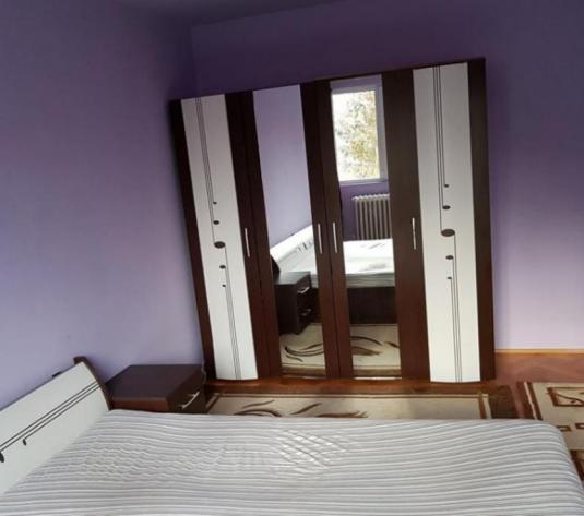 Apartament 3 cam - imagine 1