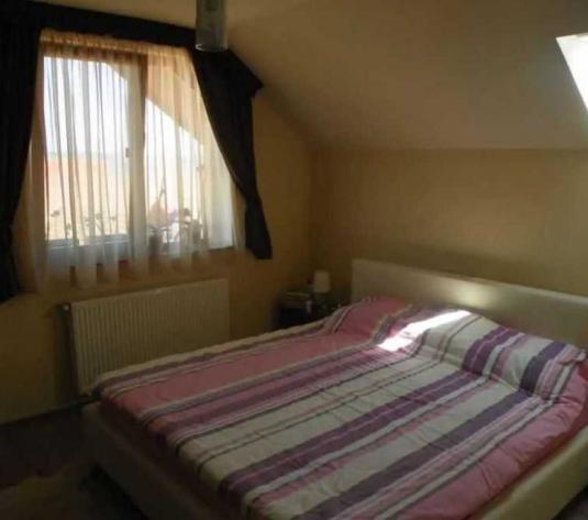 Vanzare apartament 2 camere in Europa zona Strazii George Bacovia - imagine 1