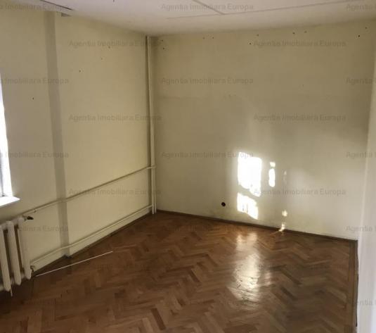 Vanzare Apartament 3 camere Babadag - imagine 1