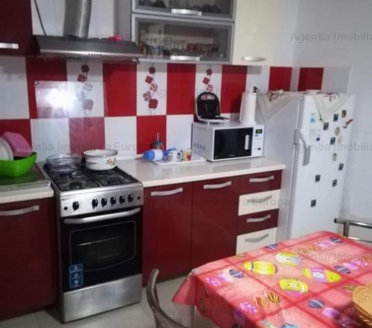 Vanzare Casa/Vila 4 camere Central - imagine 1