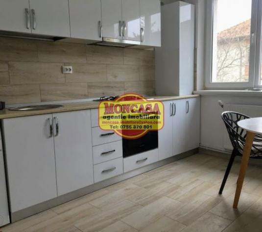 Apartament 40 mp,  etaj 3, renovat modern, mobilat lux - imagine 1