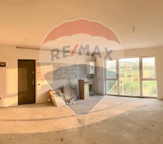 Apartament cu 3 camere de vanzare in zona Borhanci - imagine 1