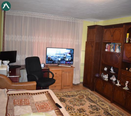 Vând apartament 2 cam etaj 1Milcovului - imagine 1