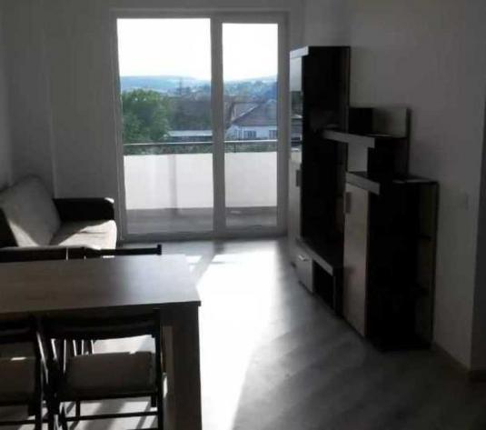 Vanzare apartament 2 camere in Dimbu Rotund zona Autogara Beta - imagine 1