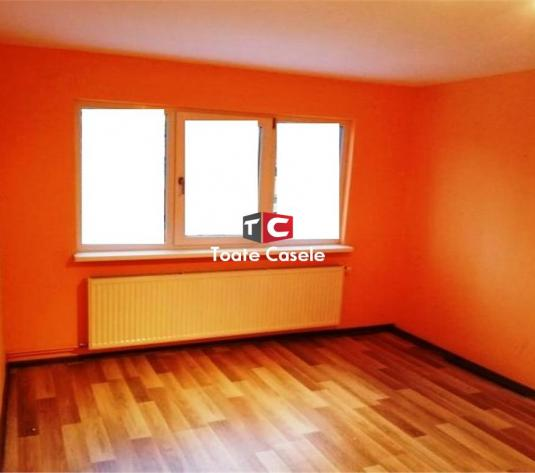 Apartament cu 3 camere, zona Primaverii - imagine 1