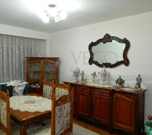 De vanzare apartament de 4 camere, decomandat, 118 mp, zona Venus - imagine 1