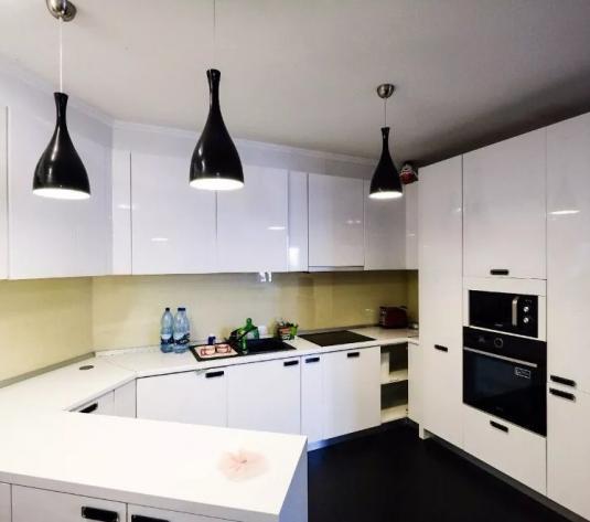 Inchiriez apartament 3 camere in regim hotelier zona Ared Kaufland - imagine 1