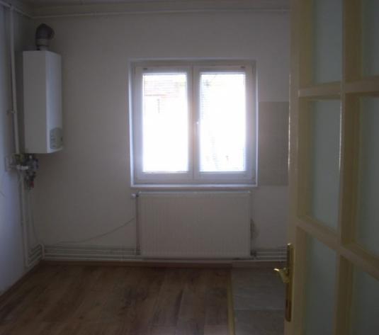 Apartament 3 camere, 69 mp de vanzare CART. MICRO 17 - imagine 1