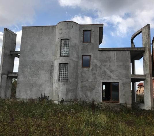 Casa 4 camere, 380 mp de vanzare CARPATI 2 - imagine 1