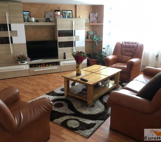 Apartament de vanzare 4 camere  Alba Iulia - imagine 1