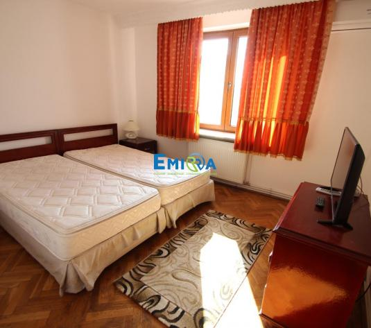 Chirie apartament 3 camere + Garaj - imagine 1