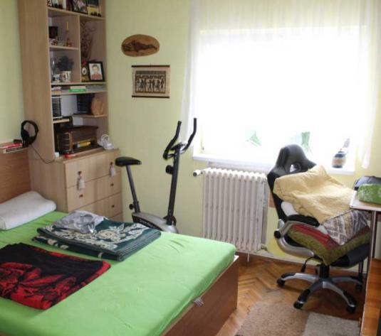 Vanzare apartament 4 camere in Marasti zona Caminelor Studentesti - imagine 1