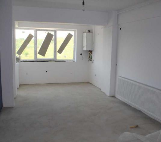 Vanzare apartament 2 camere in Baciu zona Restaurantului Regal - imagine 1