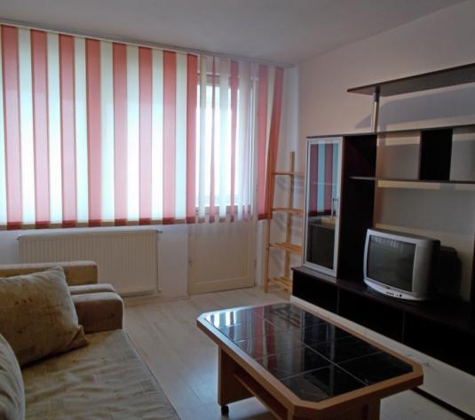 Apartament 2 camere decomandat zona Ciresica - imagine 1