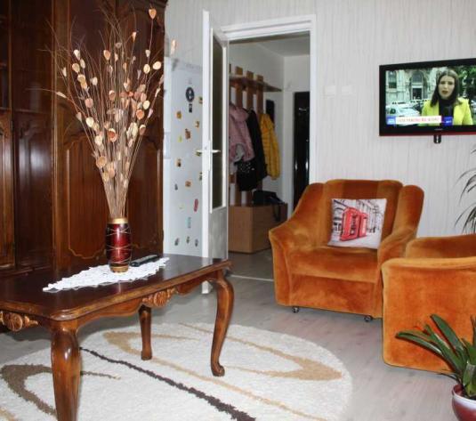 Vanzare apartament 3 camere in Gheorgheni zona Diana - imagine 1