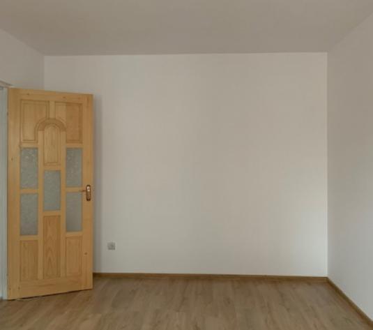 Apartament 2 camere 46 mp etaj 3 bloc din caramida zona Banc Post Pret - imagine 1