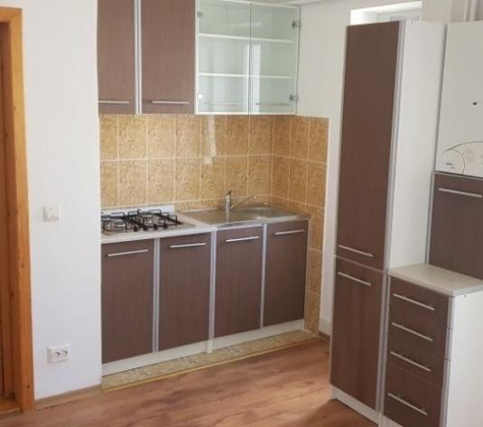 Apartament 2 camere, renovat, 33800 euro - imagine 1