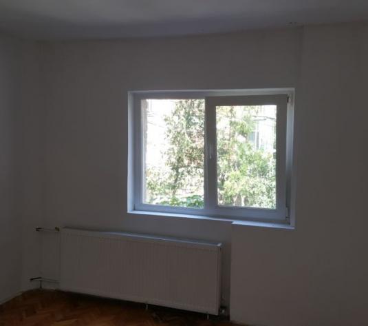 FM938 Zona Bucovina, Apartament 4 camere, Decomandat - imagine 1