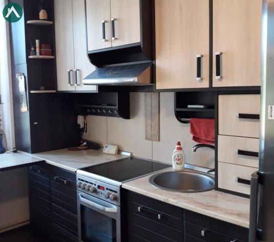 Vand apartament 3 camere cu pod si parcari in zona Tineretului in Floresti - imagine 1