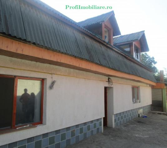 Casa cu masarda in Aradul nou - imagine 1
